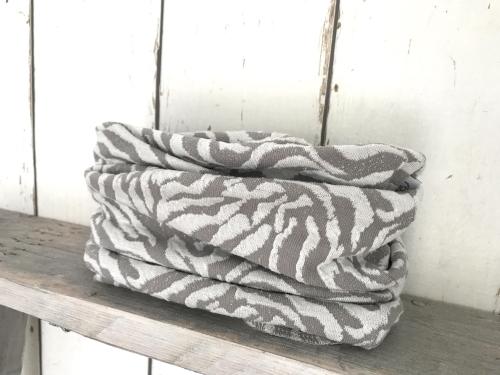 Colsjaaltje met grijs/witte zebraprint