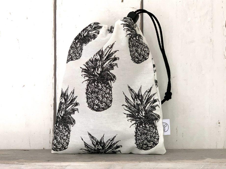 Knikkerzakje Ananas