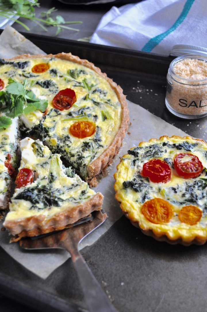 Kale and tomato quiche