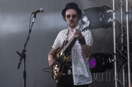 Four Folds Law at Victorious Festival 2017
