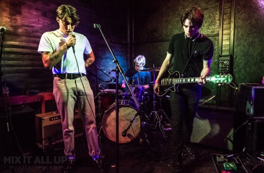 The Stone Birds live at Hot Vox Isle of Wight New Blood Competition, Quarter Finals - 14/03/2019   Mix It All Up