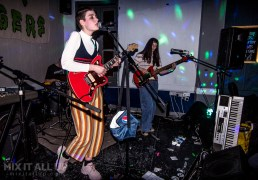 Porridge Radio live at The Festing, Southsea - 12/04/19 | Mix It All Up
