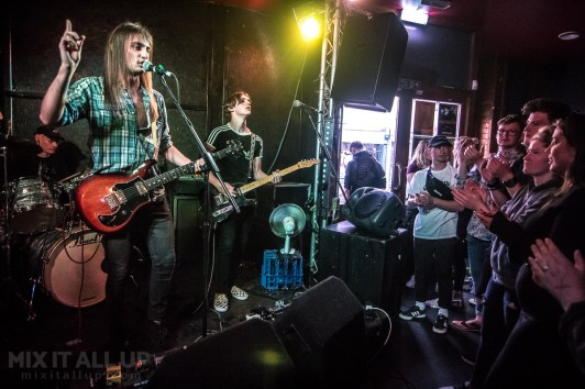 The Dusty Trims supporting Alfa Envoy live at the Edge of the Wedge, Portsmouth - 03/06/19