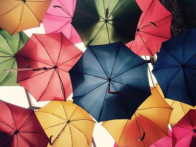 umbrellas-816338_640