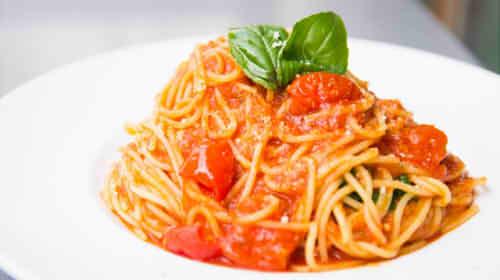 パスタ(スパゲッティ)のカロリー・糖質は100gや一人前でいくら?乾麺やゆでた場合での違いは?