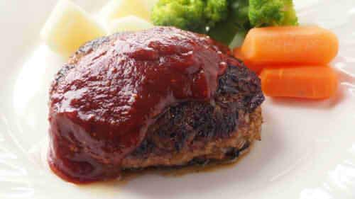 ハンバーグのカロリーは1個でいくら?肉100g・150g・200gの場合とカロリーオフする方法は?