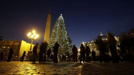 Vatican-City-Christmas-tree
