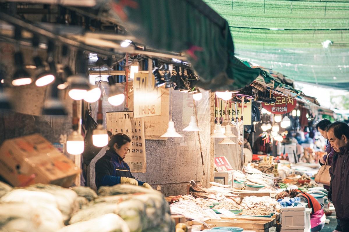 ポンゲ市場