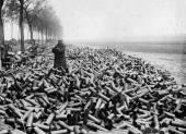 Miles de cartuchos de bombardeo 1916