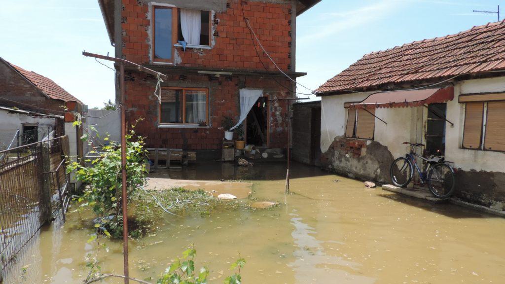 Spisak potrebnih artikala i namirnica na poplavljenim područjima