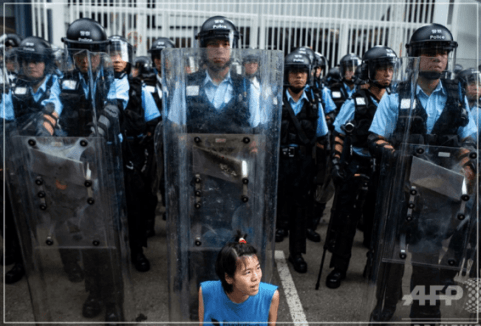 香港,デモ,目的,逃亡犯条例,起こっている理由,なぜ,なんで,わかりやすく,解説,図解,中国,台湾,対立,天安門事件,100万人,200万人,機動隊,香港警察,林鄭月娥行政長官,引き渡し,場所,地図,いつまで