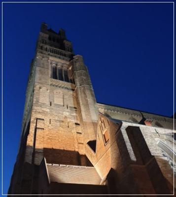 シント・サルヴァトール聖堂の外観画像