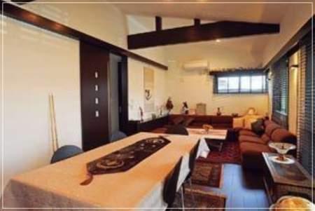 小池百合子都知事の自宅「エコだハウス」の内観画像