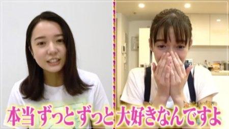 大好きだったとファン宣言する上白石萌音と佐藤栞里の画像