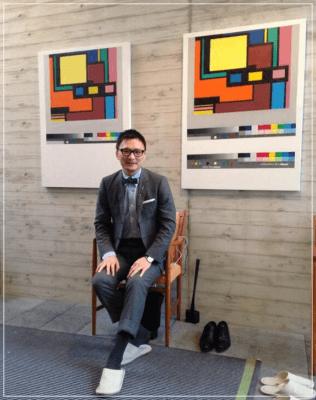 石川康晴と自宅のアート画像