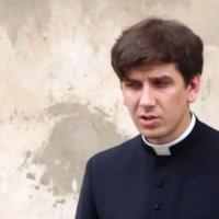 Ślad po ks. Tymoteuszu Szydło zaginął. Co się dzieje z młodym duchownym?
