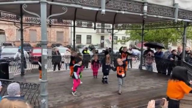 ŚCIERWA ! Policja przerwała taneczną imprezę dla dzieci w Płocku…