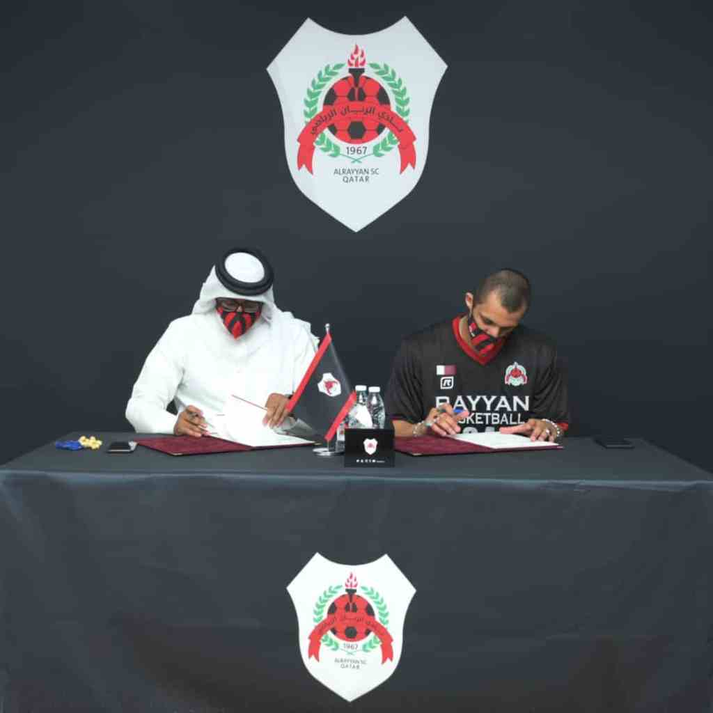 Mizo Amin signing the contract with al Rayyan SC management Mr Ali Ateeq till 2022