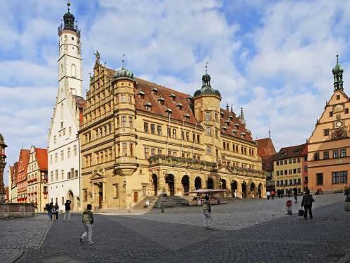 Rothenburg Rathaus -Sideview