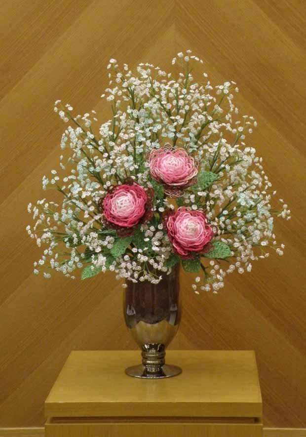 水引アート生徒 仁藤 弘子 作 バラとかすみ草 「無垢の華やぎ(清らかで明るく華やか)」写真