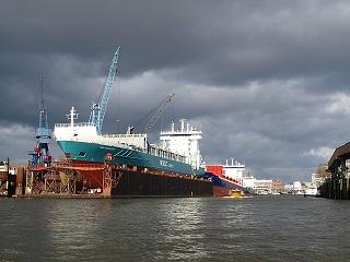 shipyard-331463_640.jpg