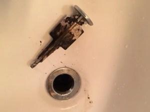 排水口に毛ゴミなどを溜めないようにしましょう