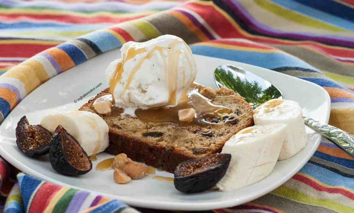 Keep luscious butterscotch caramel sauce in your frig to drizzle over banana bread, toasted pound cake, cakey brownies, fresh apples, or warm bread pudding.. | mjbakesalot.com