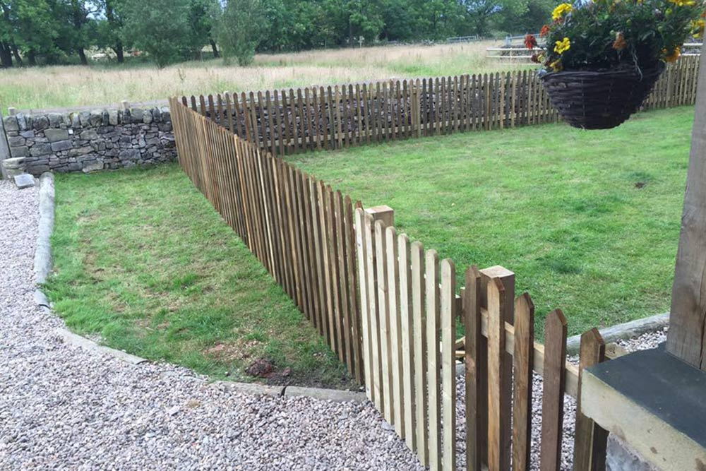 Garden Picket Fencing