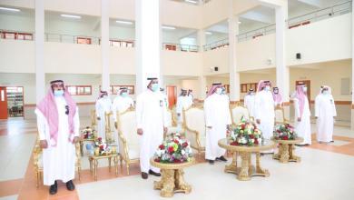Photo of محافظ ضمد يقوم بجولة على مشاريع التعليم ويطلع على تقرير مدرستي