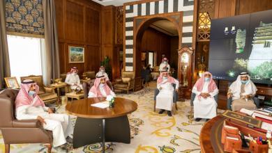Photo of الأمير تركي بن طلال يقدم واجب العزاء في الفقيد الشيخ محمد البشري