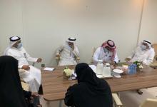 Photo of إدارة الأسر الكافلة بمحافظة الأحساء تجتمع بممثل صندوق الموارد البشريه (هدف)