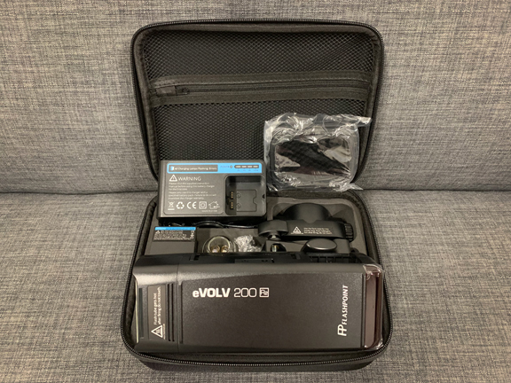 Flashpoint eVOLV 200 kit with barn doors and case