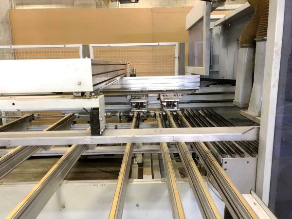 BHX 500 CNC Machine by WEEKE (HOMAG Group)