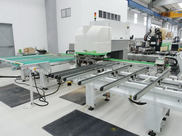 Skipper 100 L CNC Machine by BIESSE