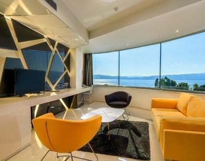 Apartment 200
