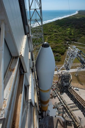 Photos: Mobile gantry retracted at Delta 4 launch pad