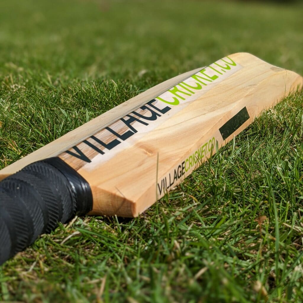 How to Oil a Cricket Bat: The Complete Guide 1