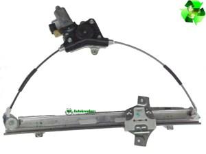 Hyundai I10 Window Regulator Motor Front Right 82402-0X010 Genuine 2012 (2)