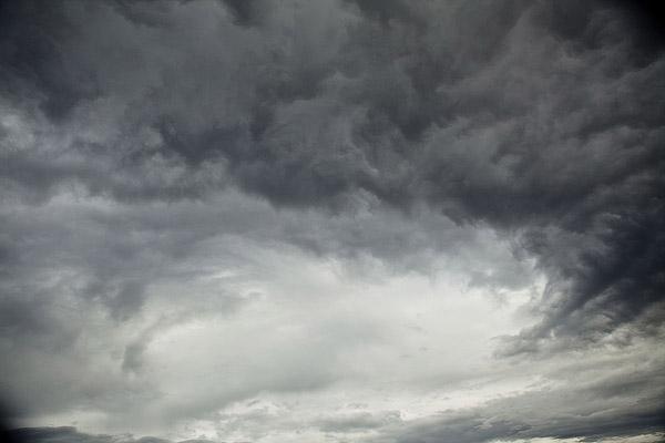 Float_tube_fun_change_of_weather