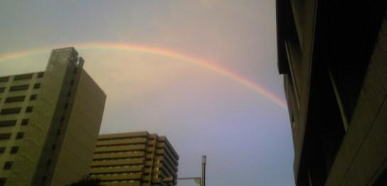 トリトンスクエアと虹