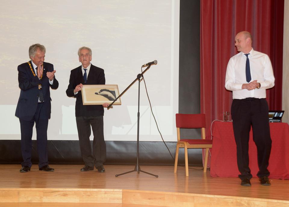 Roy Maycock (President) accepts his painting from David Hopkins (Milton Keynes Mayor)