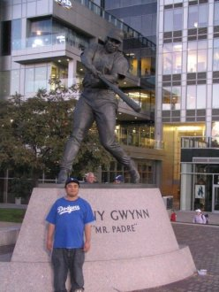 Kickin' it with Mr. Padre, Tony Gwynn