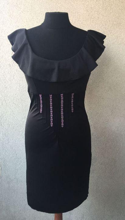 Robe-noire-custom_mannequin-devant