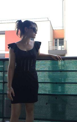 Robe-noire-custom_profil