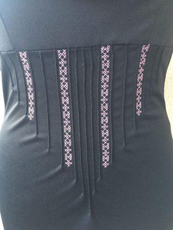 Robe-noire-custom_zoom-deco