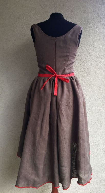 Robe-vintage_mannequin-dos