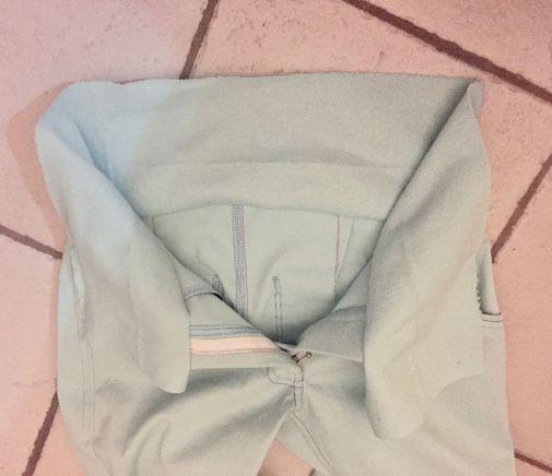 Pantalon-jeans_cote-ceintue-assemblee