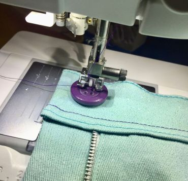 Pantalon-jeans_couture-bouton