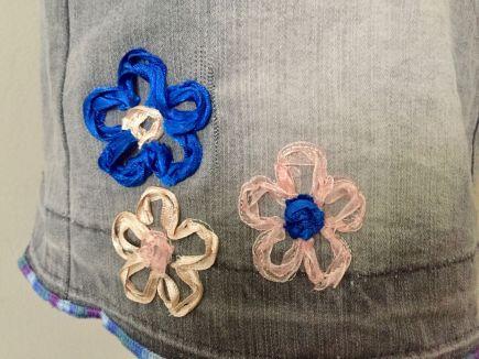 Yarn-couching_fleurs-rubans