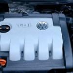 VOLKSWAGEN PASSAT 2.0 TDI 16V BKP – Prikaz montaže glave motora na blok motora – Video